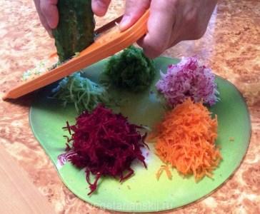 натираем овощи