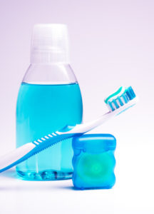 ополаскиватель и зубная нить