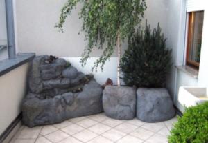 искусственные скалы с растительностью